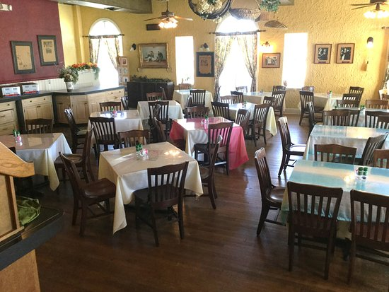 Indiantown, FL: The nighttime dining room. Very nice