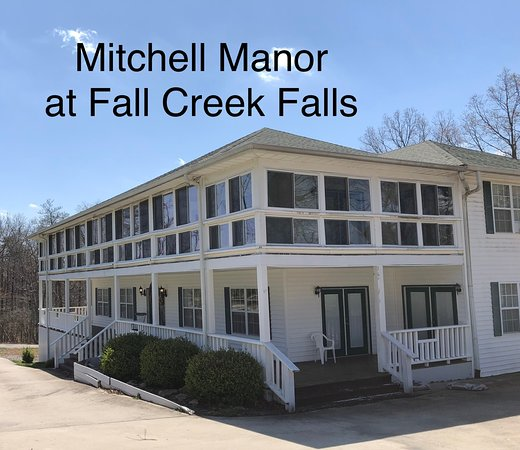 Mitchell Manor at Fall Creek Falls: Mitchell Manor Bed and Breakfast