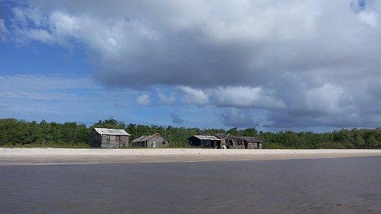 Mangue Seco, BA: rio real desde la balsa