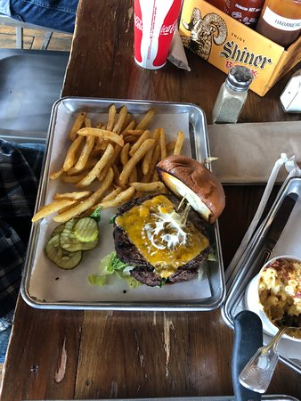 Norco, CA: cheeseburger, cheeseburger, cheeseburger and bomb spicy mac n cheese