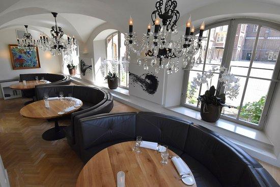interieur - Foto van Restaurant Monarh, Tilburg - TripAdvisor
