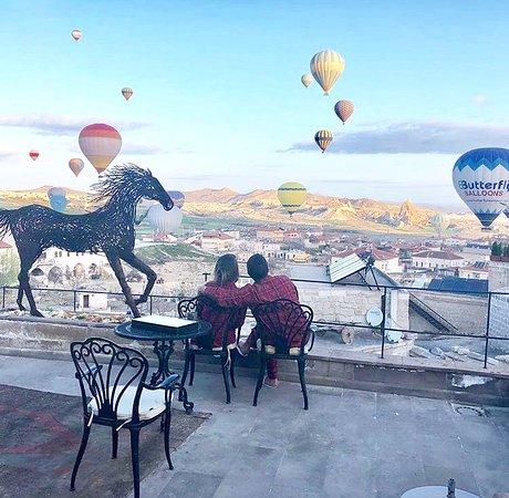 Sabah balonları izleyen konuklarımız... (317445583)