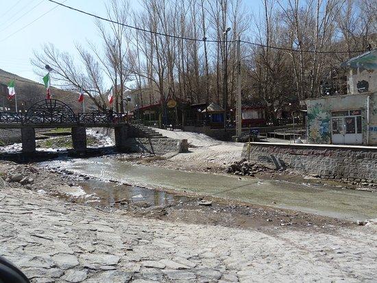 Kandovan, Iran: Natürlich im Flusstal gebaut