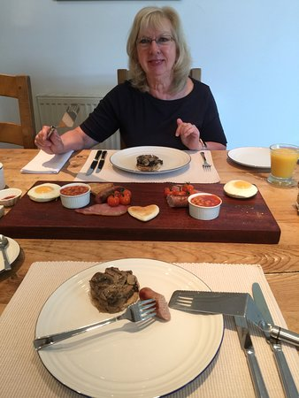 Edgefield, UK: Phase two of breakfast