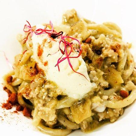 Canepina, Италия: Pici Artigianali al Ragu di Cinta Senese, Gorgonzola & Paprika...