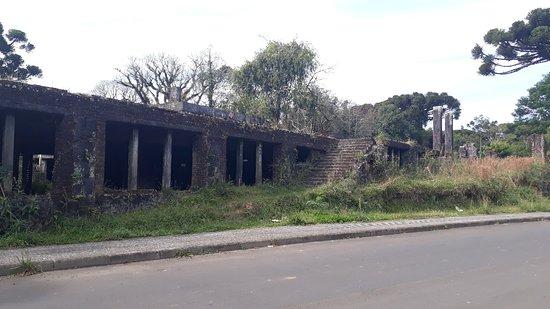 Ruinas do Cassino Palace Hotel