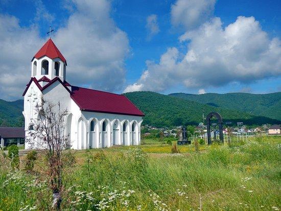 Tenginka, Russia:  Армянская церковь — Храм Святого Успения (Тенгинка)