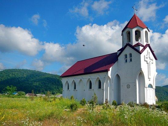 Tenginka, Russland:  Армянская церковь — Храм Святого Успения (Тенгинка)