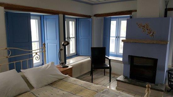 Dilofo, اليونان: חדר בקומה העליונה של המלון
