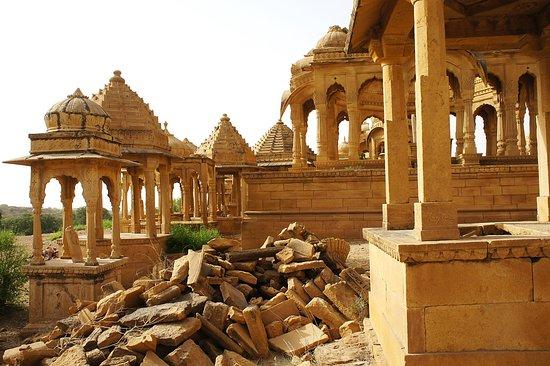 Bada Bagh : Quelques ruines mais la grande majorité est en parfait état