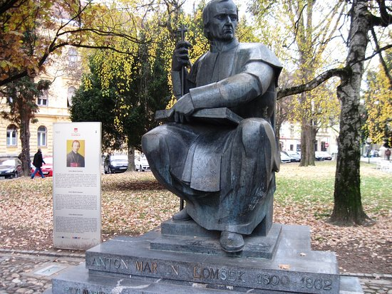 Slomskov Trg