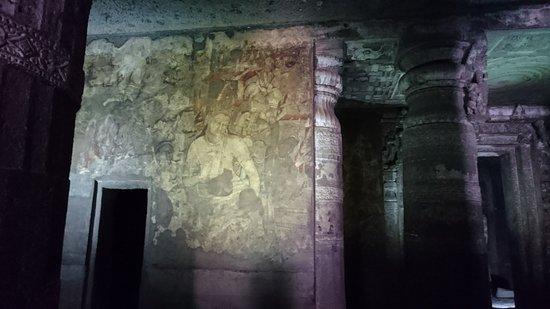 アジャンター石窟寺院の内部