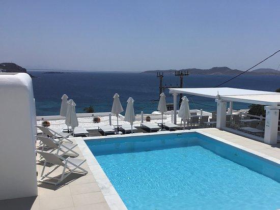 Lithos by Spyros & Flora: Pool area