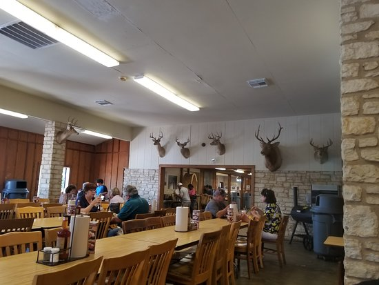 Elgin, TX: Dining area