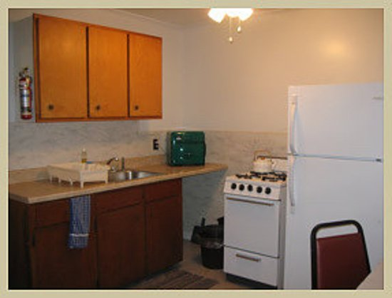 Durham, NY: Bungalow kitchen