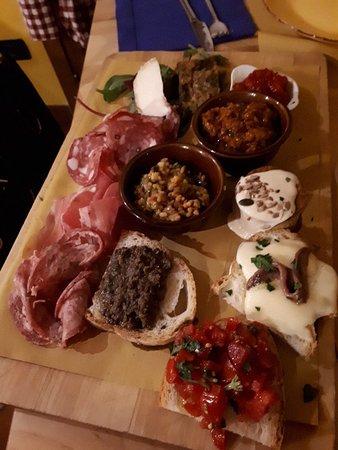 Ambra, อิตาลี: Tagliere di bacco_large.jpg