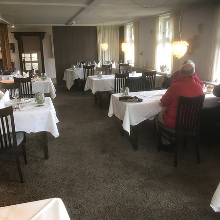 Hausen ob Verena, Tyskland: Restaurant Hofgut Hohenkarpfen