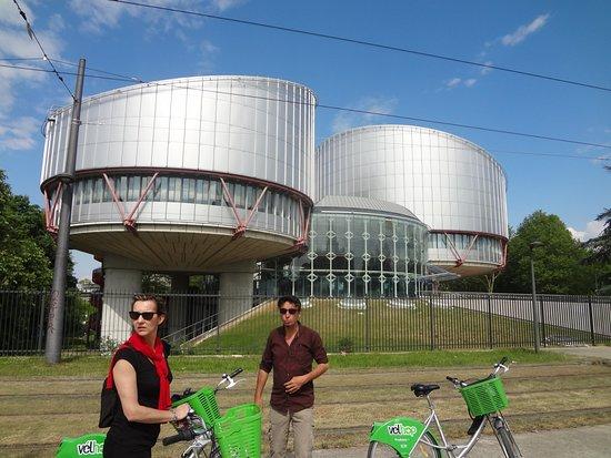 Tour de 2 horas em Estrasburgo na Grande Île: la cour de justice européenne
