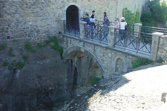 Athens Meteora Monasteries Day Trip by Rail: Meteora