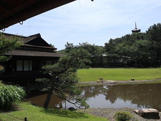 Sankeien Gardens: 臨春閣と三重の塔