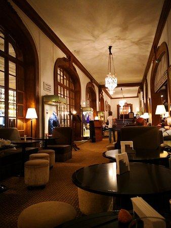 Le Bar de l'Hotel Barrière Le Normandy Deauville