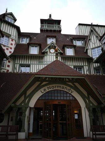 Le Bar de l'Hotel Barriere Le Normandy Deauville: IMG_20180511_181648_large.jpg