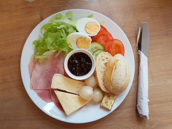 Keynsham, UK: Ploughmans lunch
