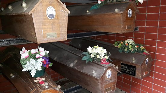 Crypte - Gemeentelijke begraafplaats Zonnebeke