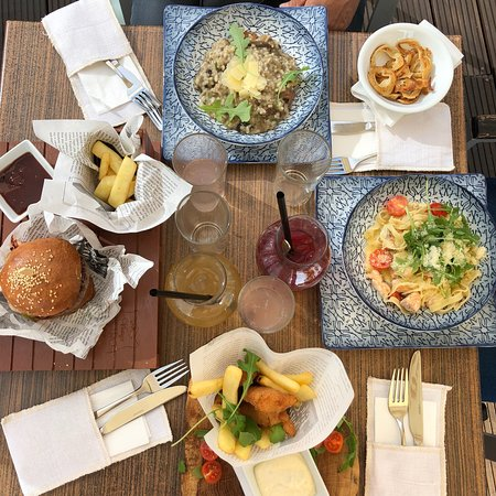Vintage bistro restaurant – obrázok