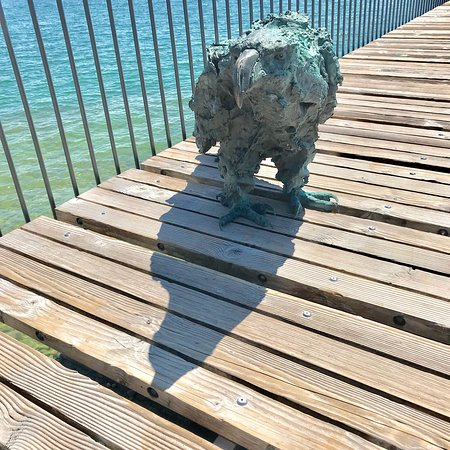 Lac de Neuchâtel : Exposition de sculptures de Davide Rivalta du 5.05 au 2.10.2018 à ne pas manquer en ville de Neu