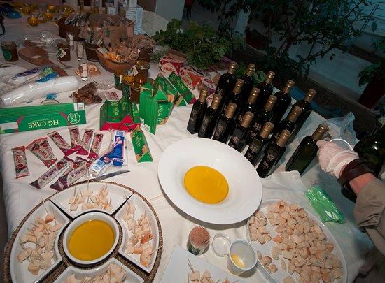 Дрвеник, Хорватия: tasting of local products