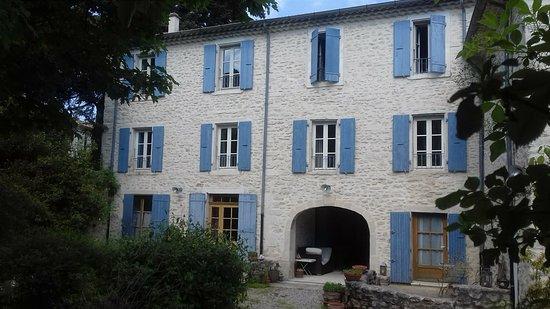 Taulignan, Frankrike: façade de la maison