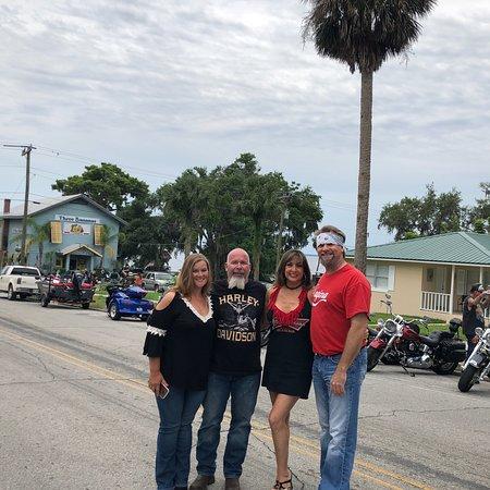 Welaka, Flórida: May 2018 Motorcycle Shrimp-R-Us Run for Mary's Birthday ❤️