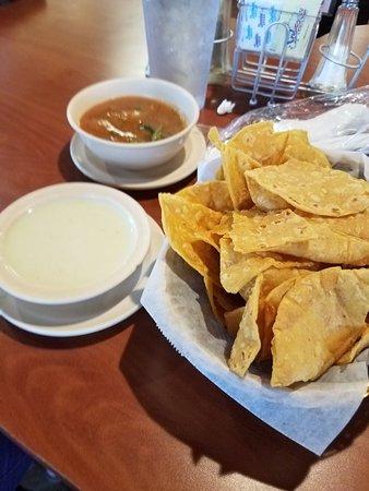 Las Palmitas: Menu, enchiladas, chicken quesadilla, and chips and salsa.