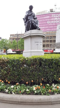 Thomas Graham Statue