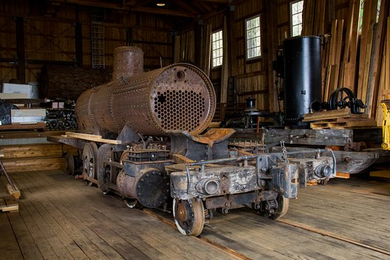 Hoquiam, WA: Steam Engine locomotive being restored and on display