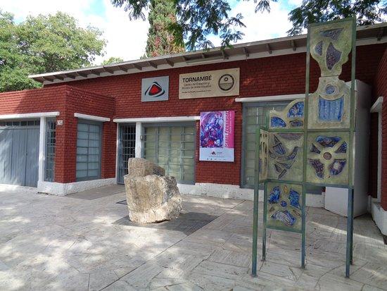Museo Julian Tornambe U.N.S.J.
