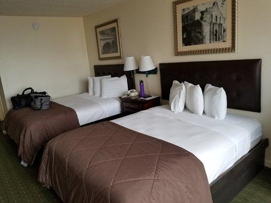 Hotel Corpus Christi Bayfront: 20180503_174105_large.jpg