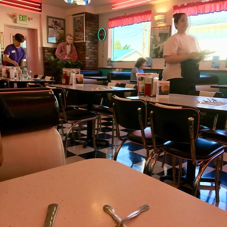 Highway 101 Diner: photo0.jpg