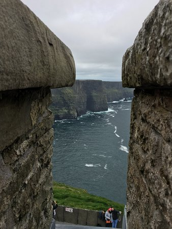 CIE Tours: Cliffs of Moher; vewry busy place. be prepare to walk.
