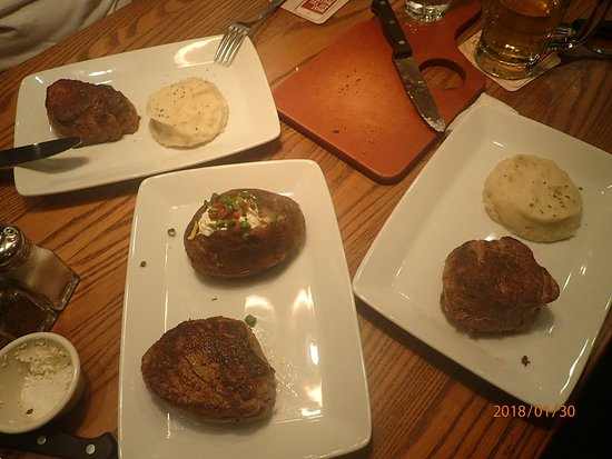 Outback Steakhouse: OI000656_large.jpg