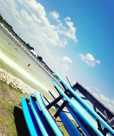 Del Valle, TX: Surfing