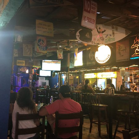 Clarita's Beach Bar & Sports Grill Foto