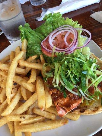 Flying Beaver Bar & Grill: Salmon Burger