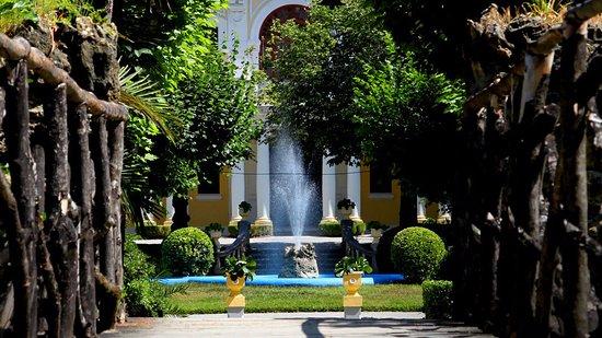 Tamengos, Portugal: Fountain