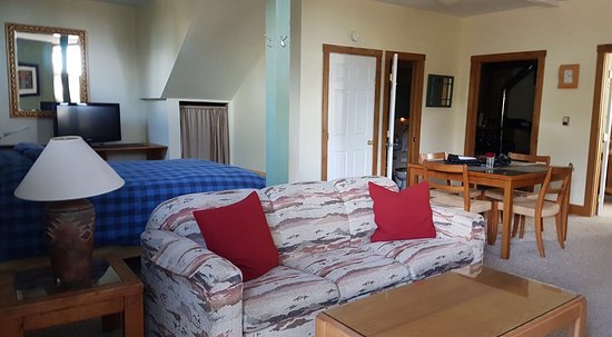 Crestone, CO: Room and dinning room