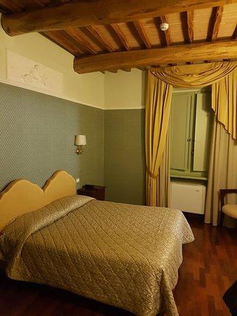 Petrignano d'Assisi, Italia: 20180321_193041_large.jpg
