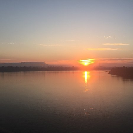 Get up early at 6am in the morning and got to Lao- Nippon Bridge to watch sun rise around 6:30am