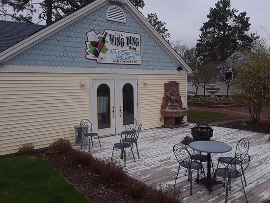 Pequot Lakes, MN: It's a Wing Ding thing
