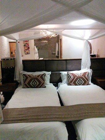 Victoria Falls Safari Club: IMG_20180511_124517_large.jpg
